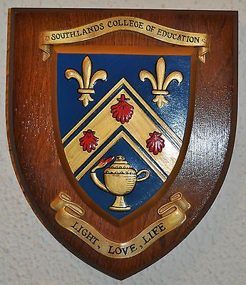 Coat of arms (crest) of Southlands College of Education