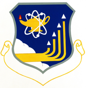 Coat of arms (crest) of the 3300th Technical Training Wing, US Air Force