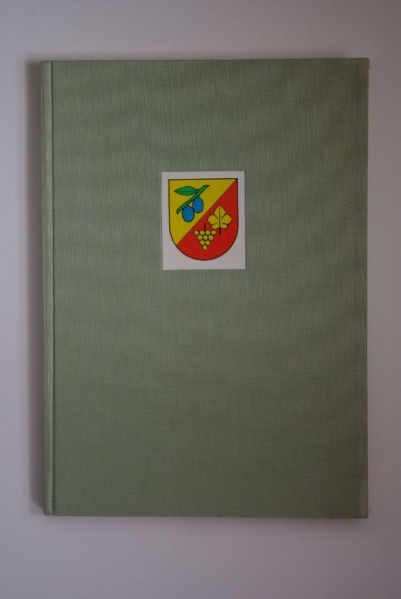 File:De-008.books.jpg